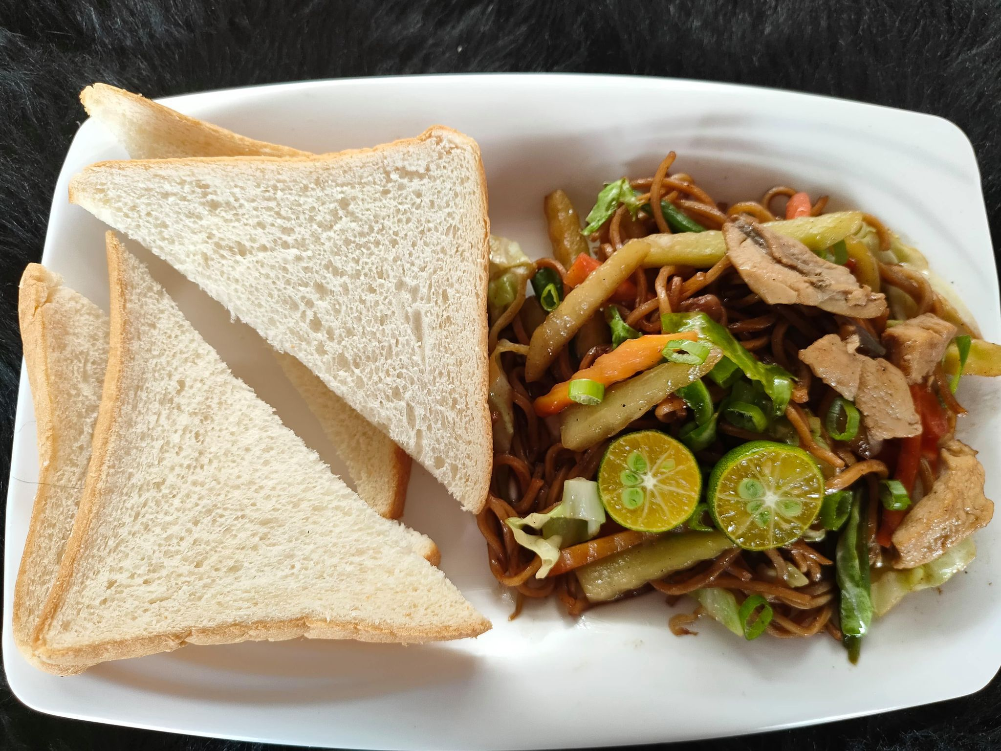 Chicken Pancit Guisado with Bread