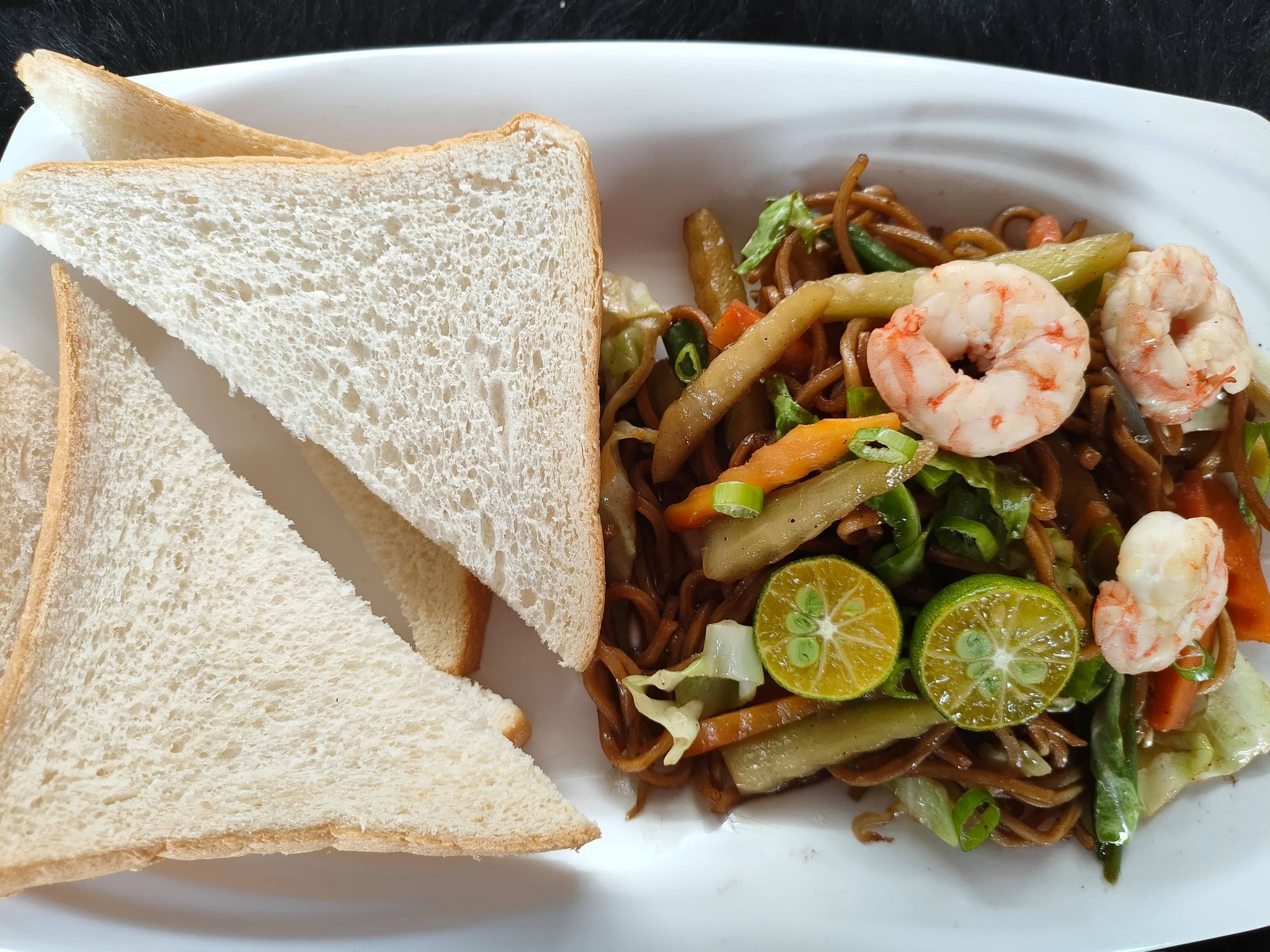 Seafood Pancit Guisado with Bread