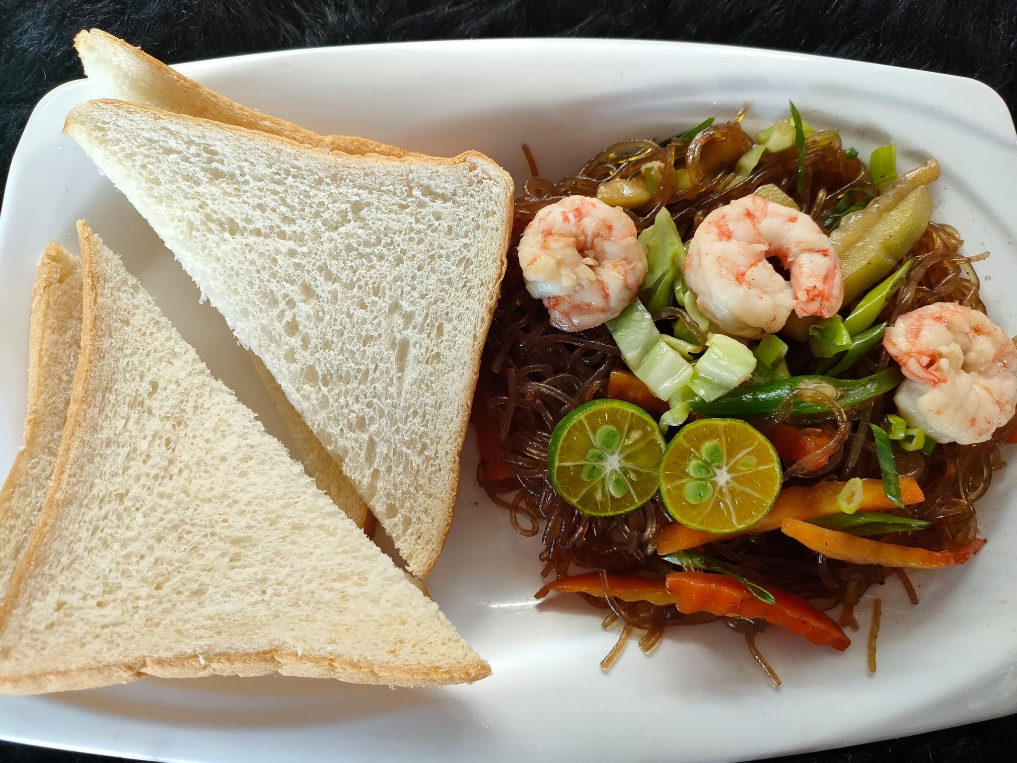 Seafood Sotanghon Guisado with Bread